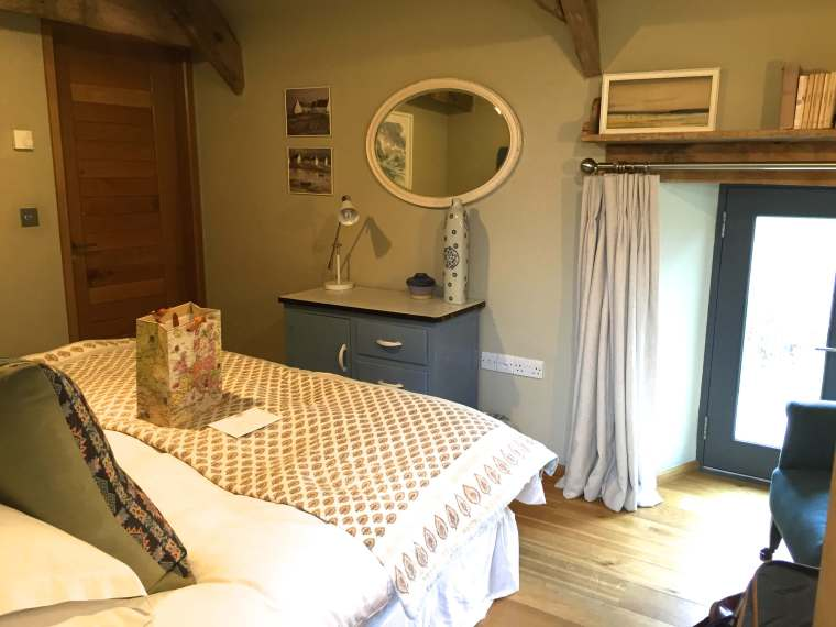 barn-conversion-bedroom