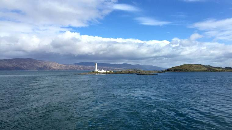 lighthouse on the way to Mull