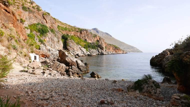 Empty-Cove-Zingaro