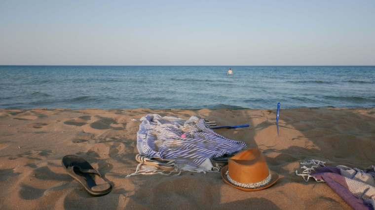 noto-elora-beach-stuff