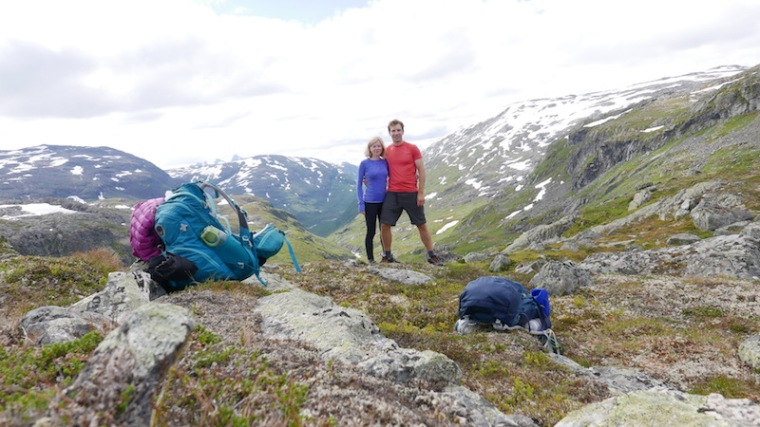 hiking in jotunheimen 3