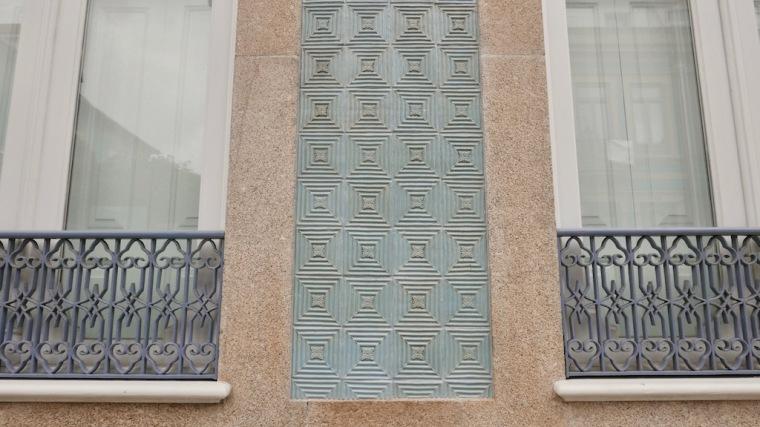 Turquoise tiles in porto